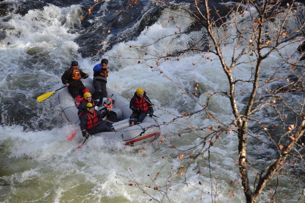 River Rafting Abenteuer auf den großen Stromschnellen des Oulanka Nationalparks